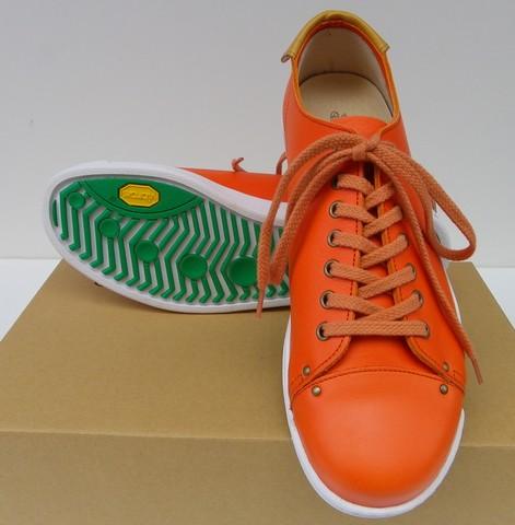 PRONTO-プロント-  Vanilla Box 8周年記念別注!2mm強の厚みを持たせた植物タンニンなめしレザーを使用したローカットスニーカー オレンジ 日本製
