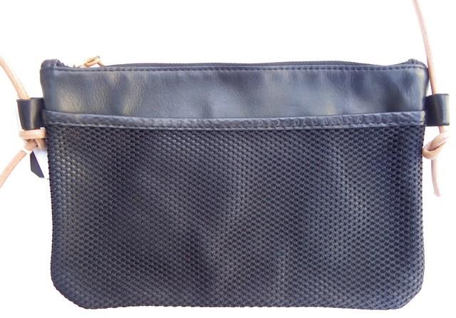 RE.ACT -リアクト- バングラデシュ産タンニンなめし革を使用!レザーサコッシュ 2色 日本製