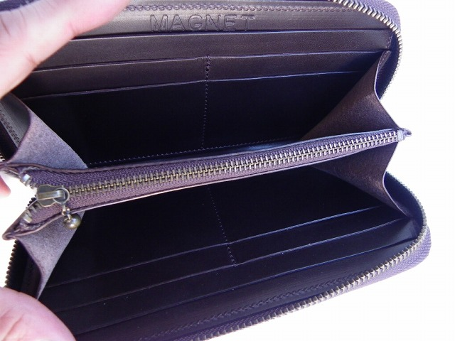 MAGNET-マグネット- 内革ペコスハード新型!スキモレザー仕様のウッド柄! ラウンドジッパータイプのロングウォレット