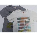 amanjakania -アマンジャカニア- 吊り編み機で編み立てた天竺生地の4本針フラットシーマー縫製クルーネック!「good attitude」Tシャツ